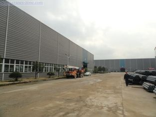 China Prefab House Earthquake Proof Light Industrial Steel Buildings With Q235, Q345 supplier