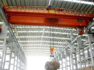 China Prefab Industrial Steel Buildings Pre-engineered Building With Cranes Inside supplier