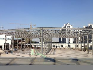 China Pre-engineering Double Span Industrial Steel Buildings Fabrication With Space Frames supplier