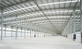 China Corrosion Resistant Light Weight Metal Structural Steel Buildings With Huge Space supplier