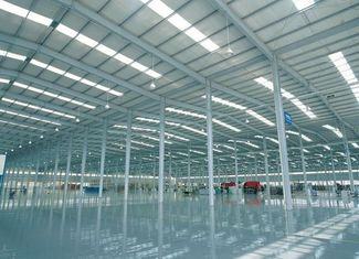China Prefabricated I Beams / H Columns Commercial Steel Workshop Coated Corrosion Resistant Paint supplier
