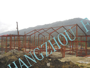 China Clear Span Prefabricated Structural Steel Buildings Galvanized Painted Column supplier