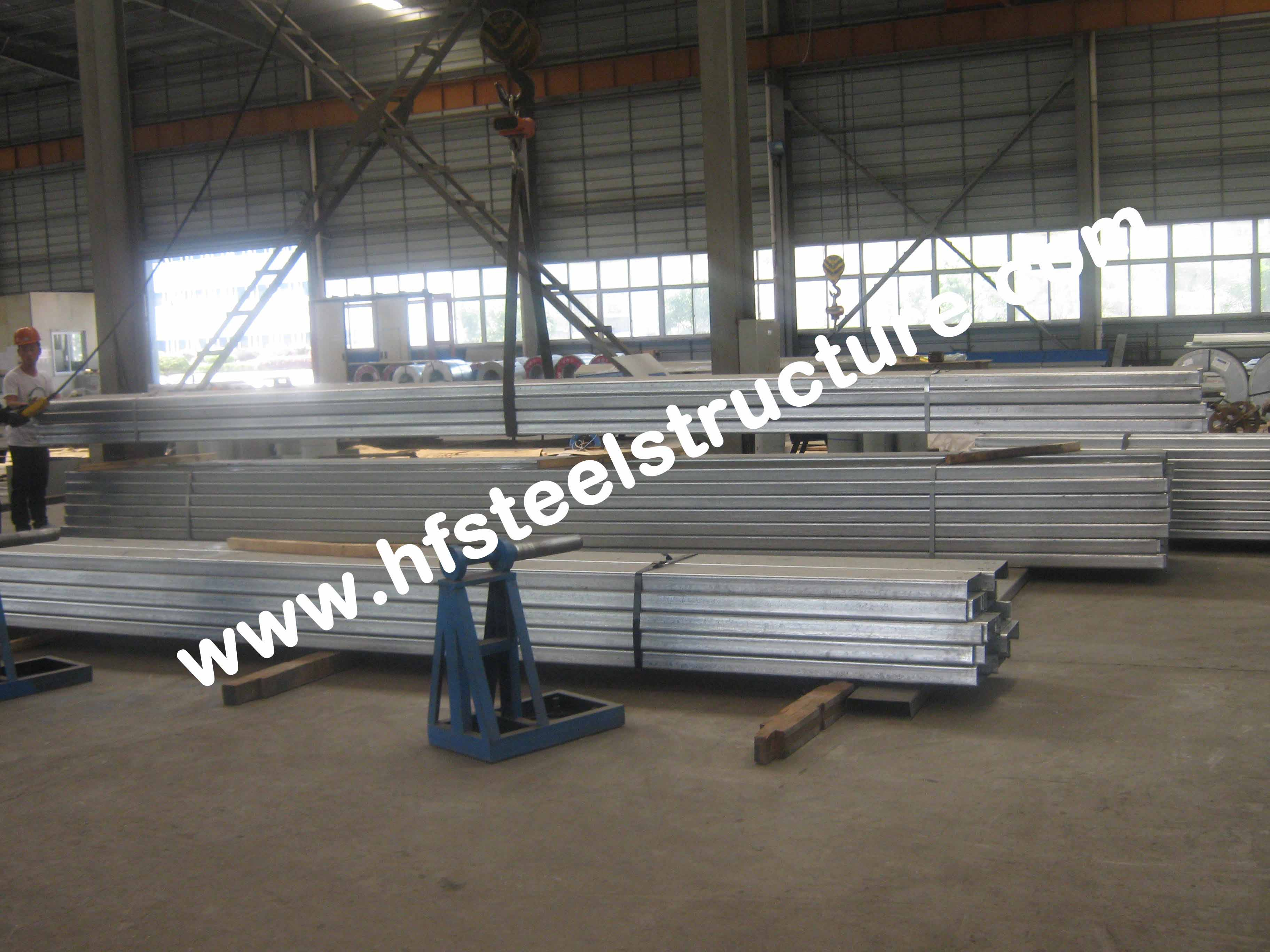 Anti-rust paint C Z Purlin Galvanised Steel Purlins Fabricated By Hongfeng
