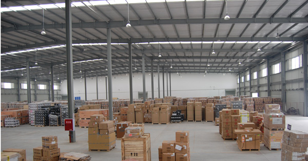 Customized Prefabricated Industrial Steel Buildings Warehouse With Sandwich Panels