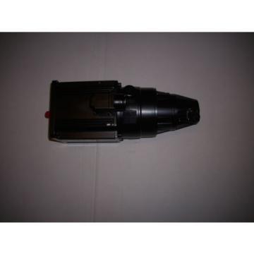 Indramat Kuwait Rexroth Servomotor MAC092B-0-QD-4-C/095-B-1/WI520LV